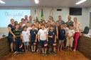 Estudantes da Escola Criança Feliz visitam a Câmara de Vereadores