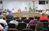 Projeto prevê equiparação salarial dos professores municipais ao piso nacional